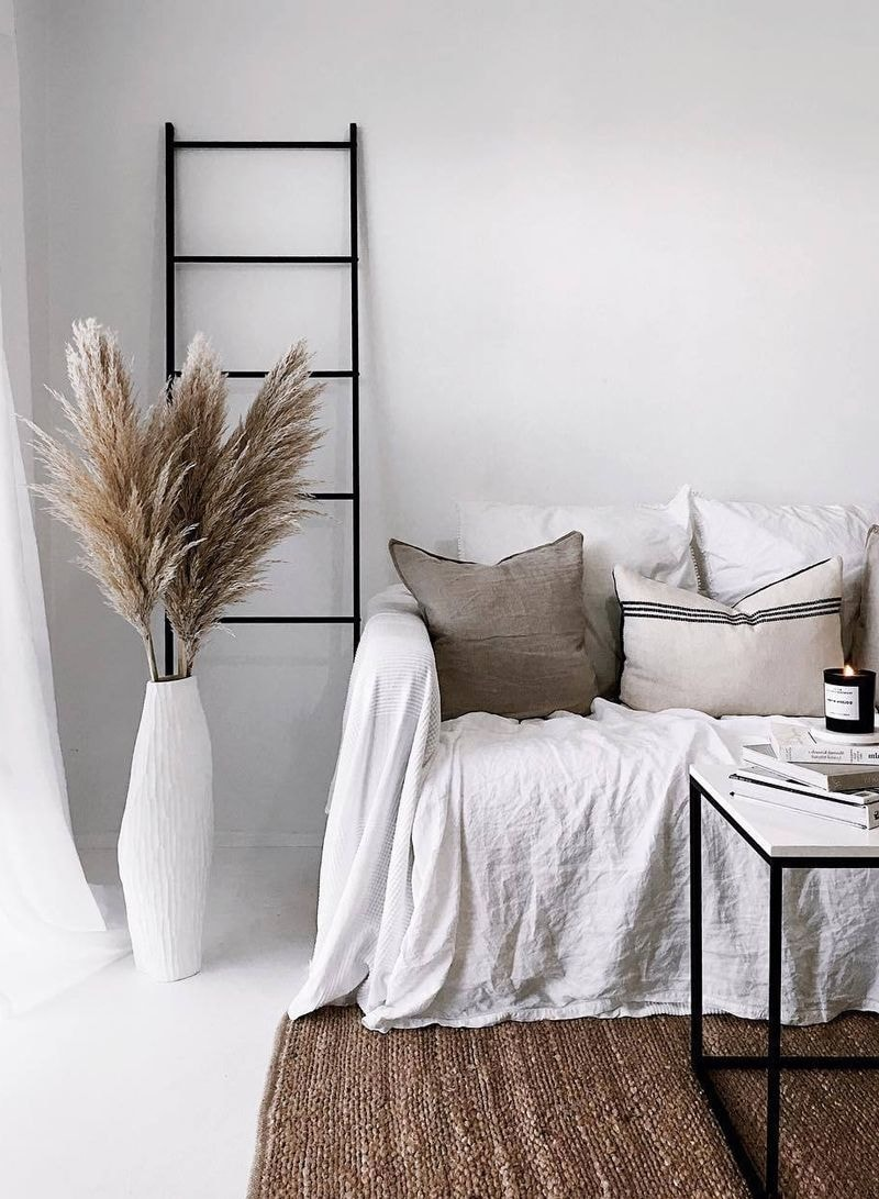 8 Ways To Decorate With Pampas Grass Rhythm Of The Home