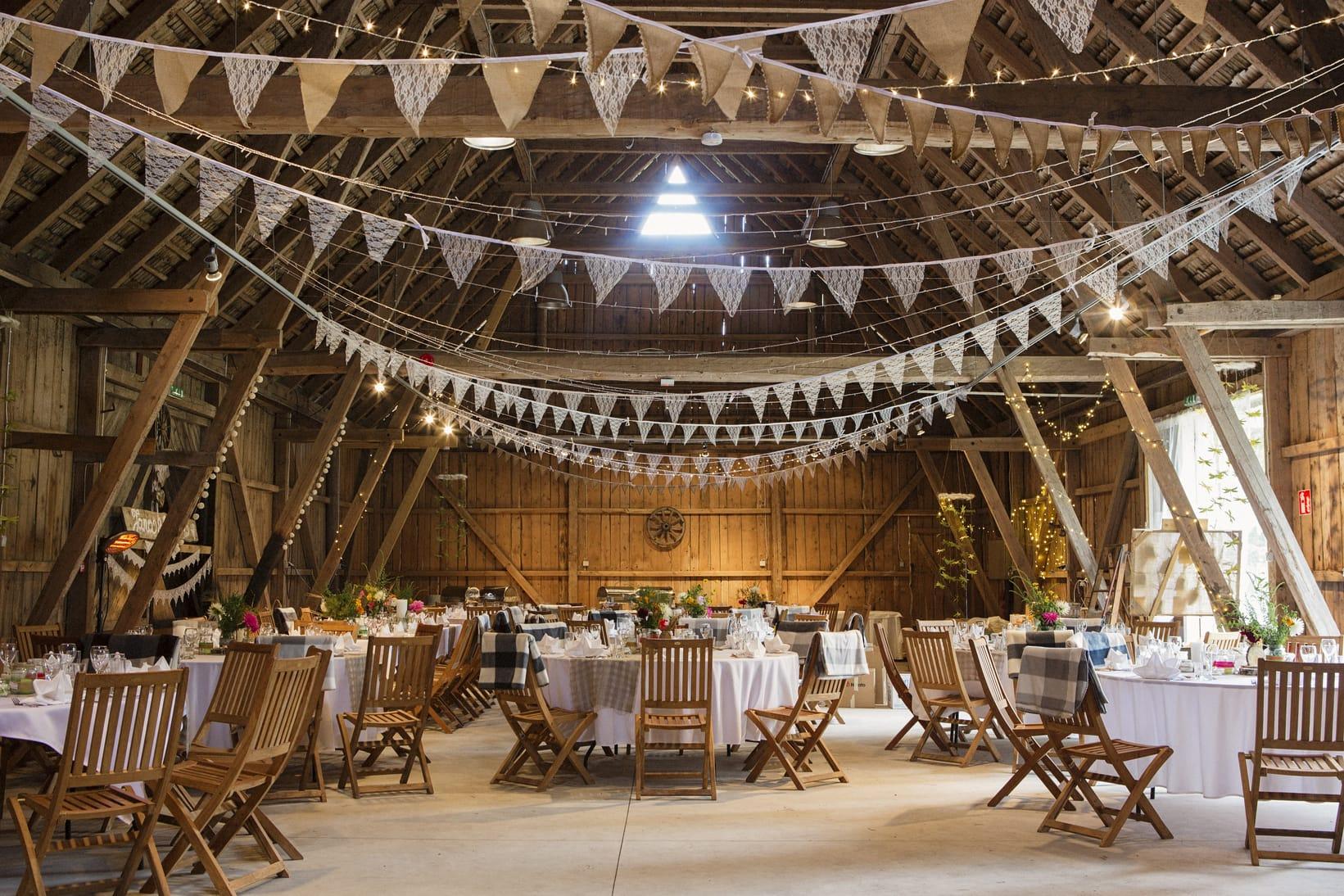 30 Amazing Barn Wedding Ideas - Rhythm of the Home