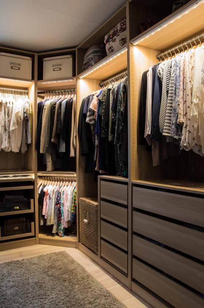 21 Practical Walk In Closet Ideas Rhythm Of The Home