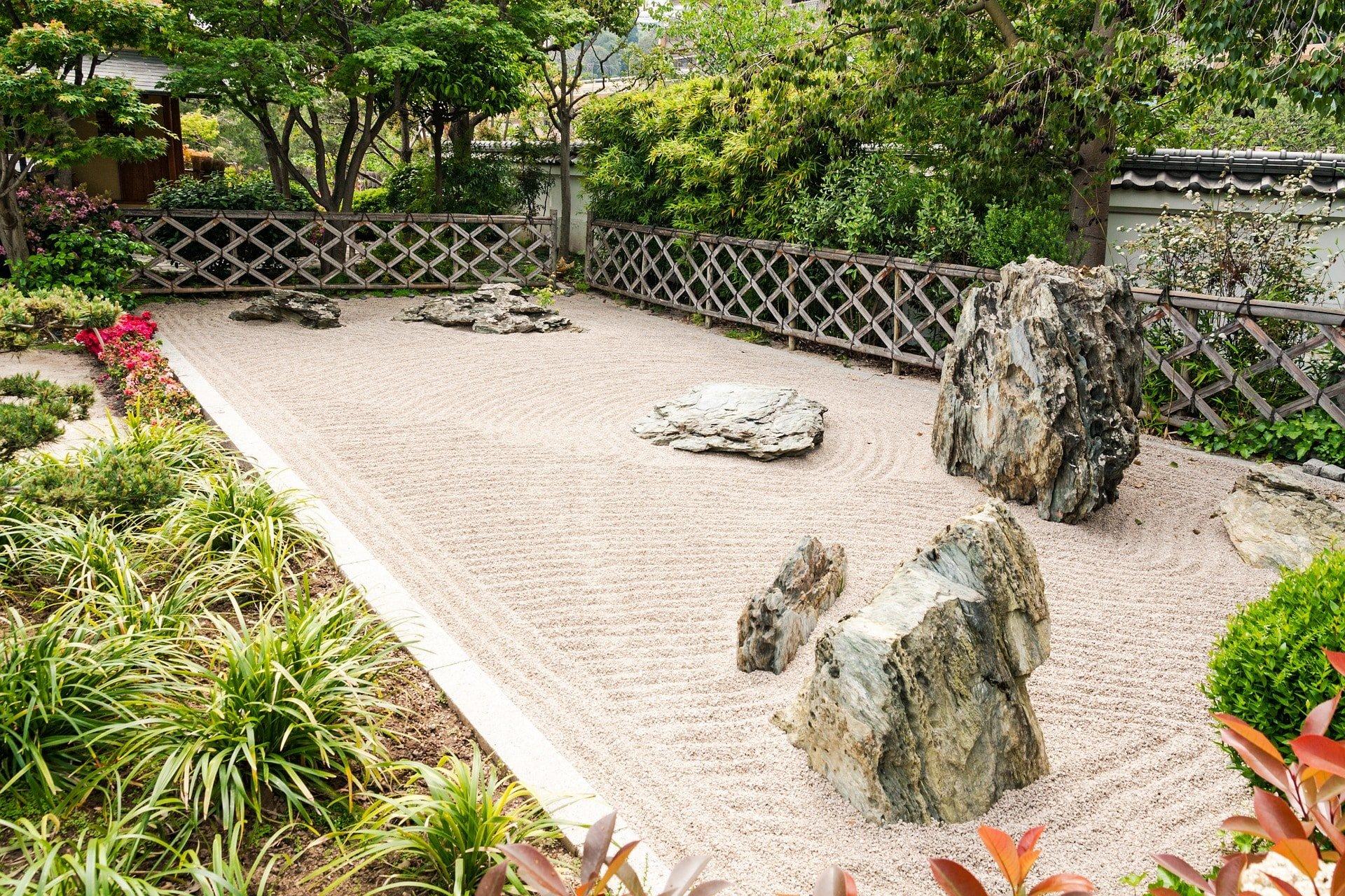How to Make a Zen Garden - Rhythm of the Home
