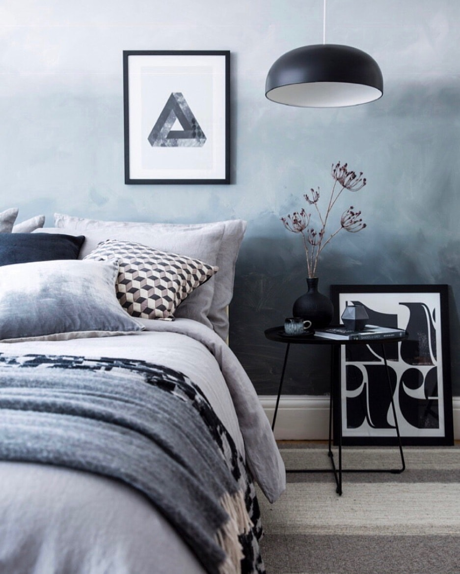 Creating A Grey Ombre Accent Wall: 20 Stylish Ombre-Effect Walls