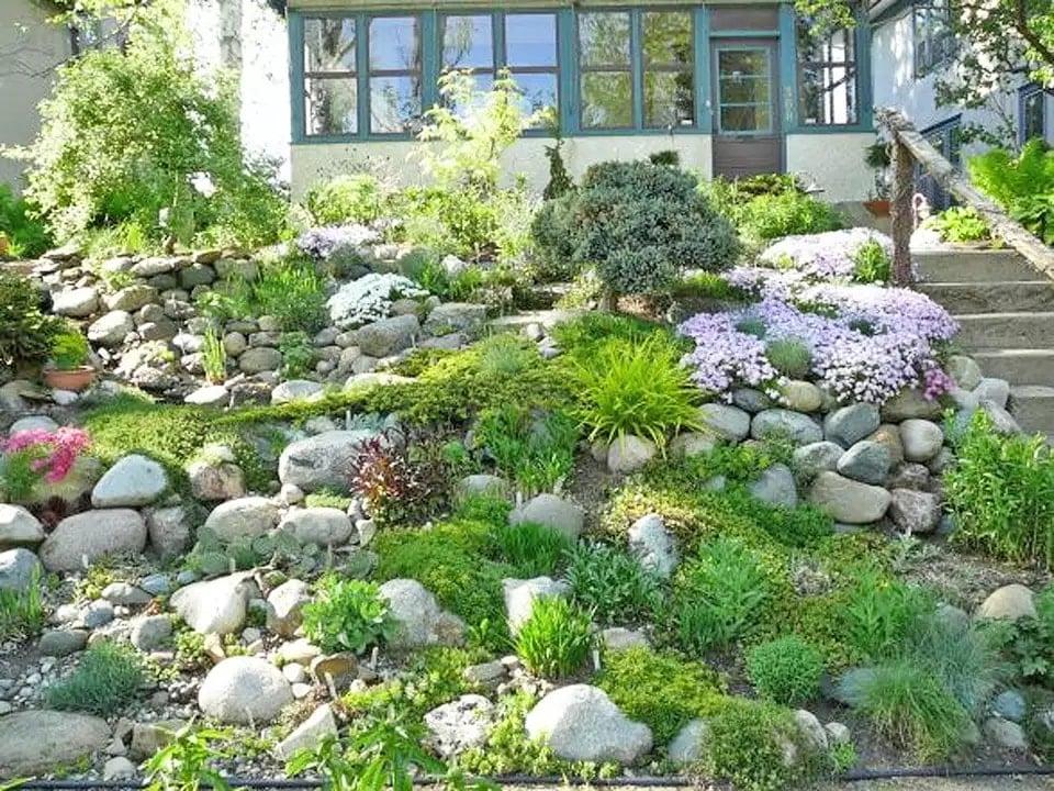 8 inspiring hillside landscaping ideas - rhythm of the home